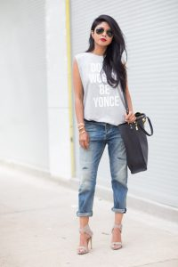 heels and t shirt